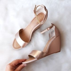 Seychelles | Thyme Two Tone Metallic Wedge Sandal